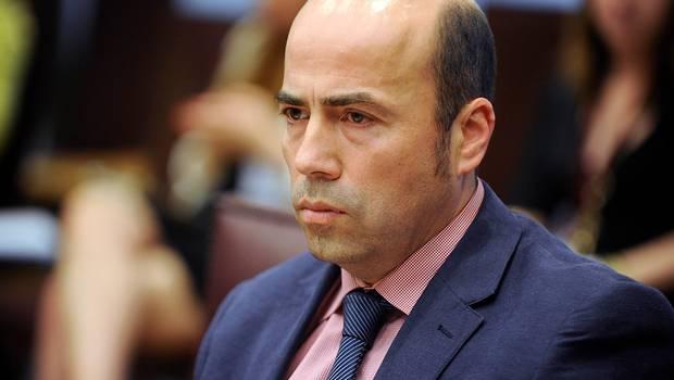 Contralor es citado a declarar por eventuales irregularidades en la Junaeb