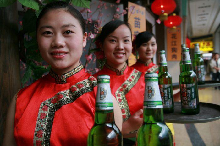 En medio de fusión, AB InBev vende el 49% que poseía SABMiller de la cerveza china CR Snow por US$1.600 millones