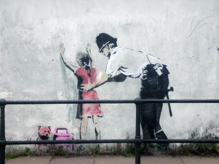 Un estudio científico revela la posible identidad del grafitero Banksy