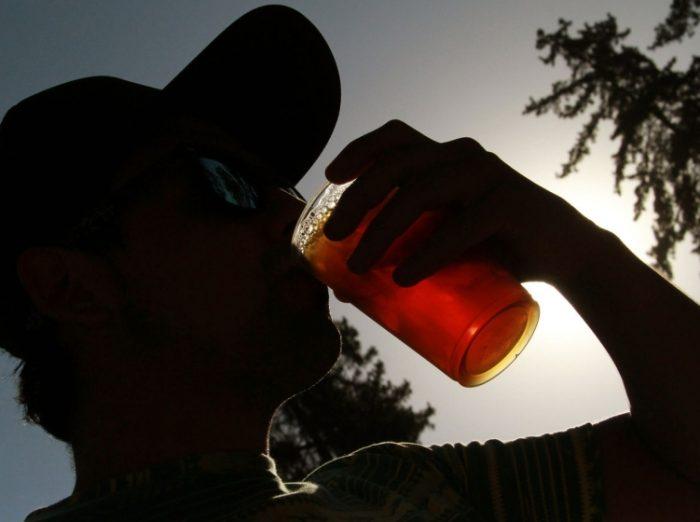 Sistema de salud y el consumo de alcohol: costosa frivolización