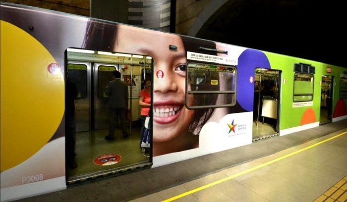 América Solidaria inaugura colorido tren del Metro que invita a construir una sociedad más justa