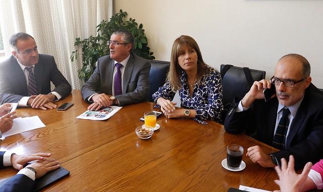 Reforma laboral: Bachelet cede ante senadores DC y acepta reemplazo interno en huelga