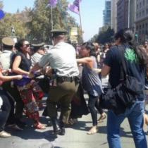 INDH condena detención de mujeres y pide explicaciones al gobierno