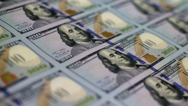 Dólar cerró este lunes con fuerte alza y llegó hasta los $694,5 ante presión del cobre y el peso por posible alza de tasas de la FED