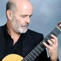 La guitarra de Bernardo García Huidobro enmudece a jóvenes chilotes en Valdivia