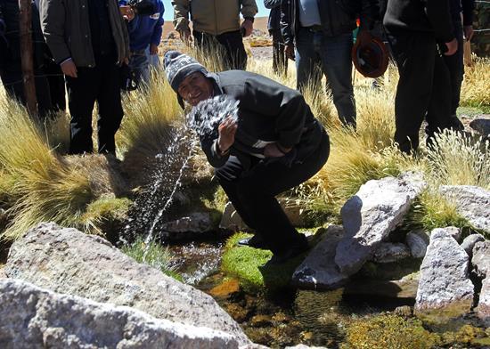 Evo Morales cuestiona que firma colombiana venda aguas del Silala en Chile