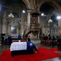 [Galería] Familiares y políticos participan en la misa fúnebre de Aylwin en la Catedral Metropolitana