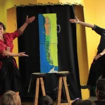 """Obra """"Los viajes de Ramona y Jacinta"""" en Temporada de Teatro Infantil en Fundación Cultural de Providencia, 23 de abril. Entrada liberada."""