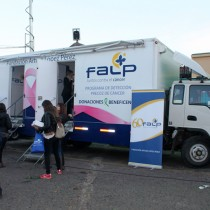 [VIDEO] Por un diagnóstico precoz del cáncer: clínicas móviles recorren Chile realizando mamografías