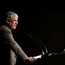 Eyzaguirre se mete en polémica de AFP Capital y llama la atención al presidente de la Bolsa