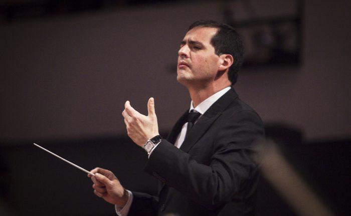 Con obras de Dvorák y Mendelssohn, Felipe Hidalgo vuelve a tomar la batuta de la Orquesta Sinfónica de Chile