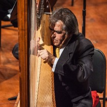Profundo pesar por muerte de Manuel Jiménez, primer arpa solista de la Orquesta Sinfónica de Chile