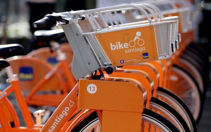 Urbanista dispara contra negativa de Las Condes de integrarse a red de bicicletas