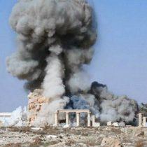 [VIDEO] Realizan réplica del Arco del Triunfo de Palmira destruido por ISIS