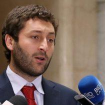 Diputado Coloma denuncia por Twitter voto marcado en Talagante