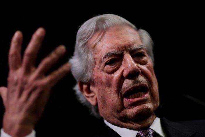 La superficial y delicuescente clase Magistral de Vargas Llosa que encantó a la derecha liberal