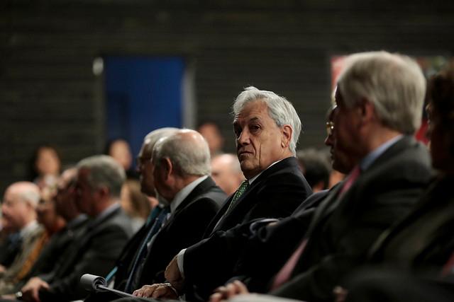 Sebastián Piñera en la Clase Magistar dictada Por Vargas Llosa