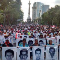 Fiscalía mexicana ordena detener a 46 funcionarios públicos por el caso Ayotzinapa
