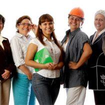 Mujeres participan en innovador programa para potenciar sus emprendimientos