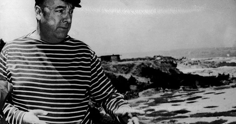 Sin claridad sobre las causas de su muerte, restos de Pablo Neruda vuelven a Isla Negra