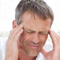Más de un millón de chilenos conviven con zumbidos o pitidos permanentes en sus oídos