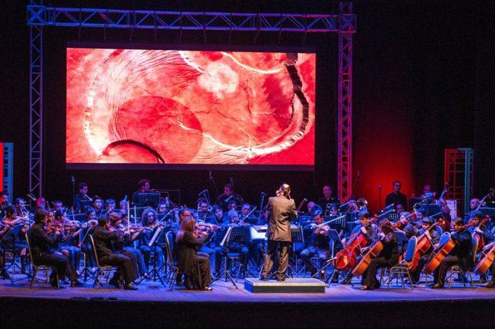La sinfonía planetaria con que Puerto de Ideas deslumbró en su noche inaugural