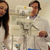 Crean robot que fabrica vasos sanguíneos para by-pass vascular