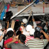 Terremoto de 7,8 en la zona costera de Ecuador deja al menos 77 muertos