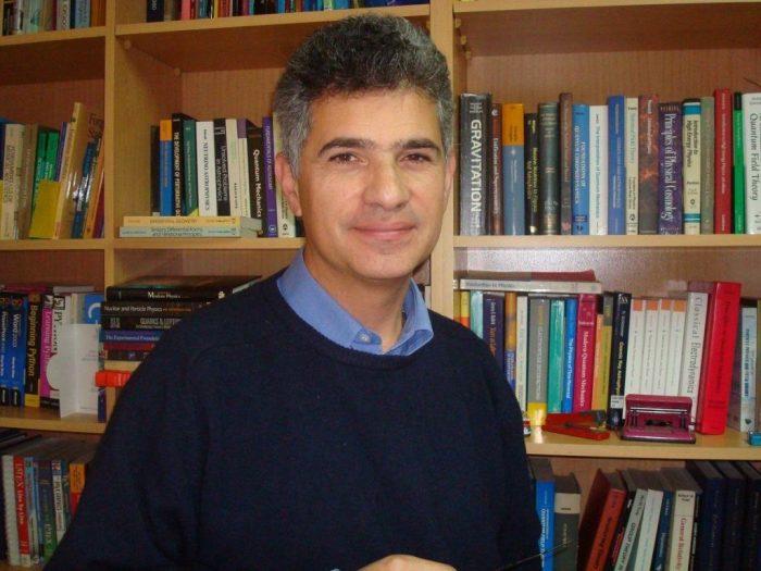 El científico Claudio Dib.