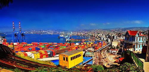 El futuro económico de Valparaíso tiene que seguir apostando a ser puerto