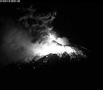 Video: Explosiones del volcán Popocatépetl en México