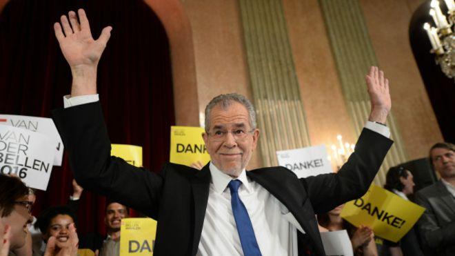El ecologista Van der Bellen logra derrotar a la ultraderecha en Austria y será el nuevo presidente