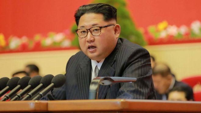 Corea del Norte rebaja la tensión nuclear y dice que no usará sus armas a menos que esté amenazada