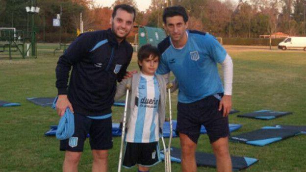 El gesto terminaría haciendo realidad un sueño de Santiago: conocer personalmente a su ídolo, Diego Milito.