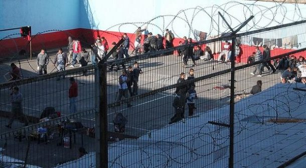 Diputados UDI, PPD y RN proponen expulsión de extranjeros condenados en Chile