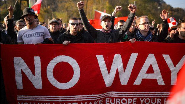 La crisis de los migrantes es uno de los factores que ayuda a explicar el auge de los partidos de extrema derecha europea.