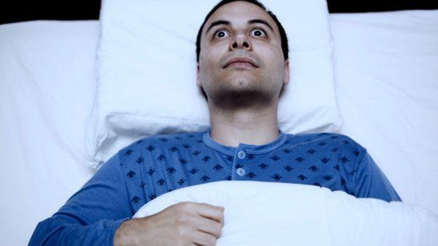 La liberación de endorfinas, producto de la satisfacción del orgasmo, puede combatir el insomnio.