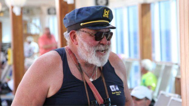 Para la mayoría de la gente el barco el viaje es una aventura.