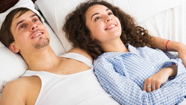 La masturbación ayuda a comunicarnos mejor sexualmente con nuestra pareja.