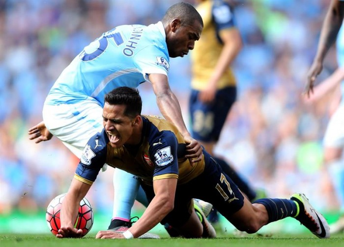 Arsenal le amarga la despedida de los hinchas del Manchester City a Manuel Pellegrini