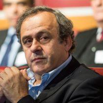 Platini renunciará a la  presidencia de la UEFA como consecuencia de su sanción