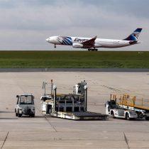 Egipto no descarta que un atentado derribara el avión de EgyptAir