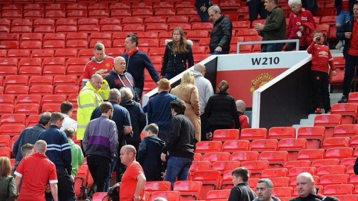 Suspenden partido del United por paquete sospechoso en el estadio