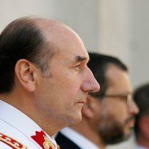 """Ejército toma distancia de Fuente-Alba y dice que los suyos son """"comportamientos estrictamente personales, que de comprobarse, se apartarían de la ética militar"""