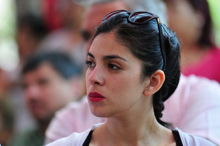 Marcha estudiantil: Cariola pide asumir responsabilidad política por desmanes y diputados oficialistas critican al PC por