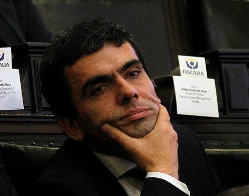 Ofician a Fiscal Nacional por grave atraso de fiscal Gajardo a audiencia de caso Penta