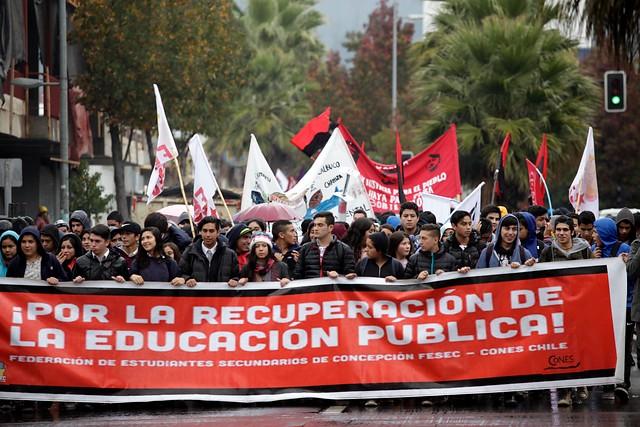 Vocero de gobierno dice estar disponible al diálogo y estudiantes advierten que marcharán sin autorización