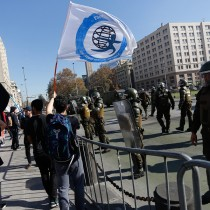 Secundarios en pie de guerra: convocan a marcha por la Alameda  a pesar de que la Intendencia negó autorización