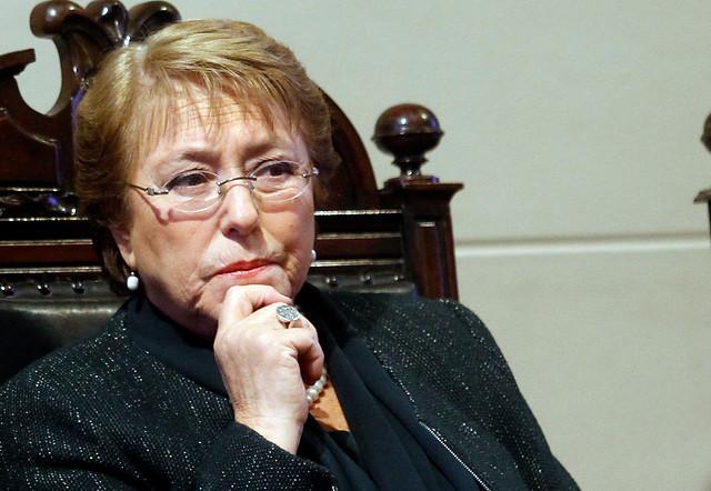 Maten al mensajero: Bachelet anuncia querella contra revista Qué Pasa