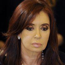 Procesan a Cristina Fernández por tener documentos históricos en su casa, entre ellos una carta de San Martín a O'Higgins